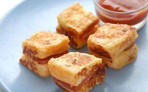 lam-banh-mi-sandwich-trung-chien-xuc-xich-cap-toc-cuc-ngon-8