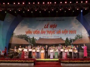 Người dân hào hứng tham gia Lễ hội văn hóa ẩm thực Hà Nội