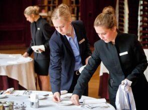 Tìm hiểu F&B là gì? Khám phá những bộ phận F&B trong khách sạn