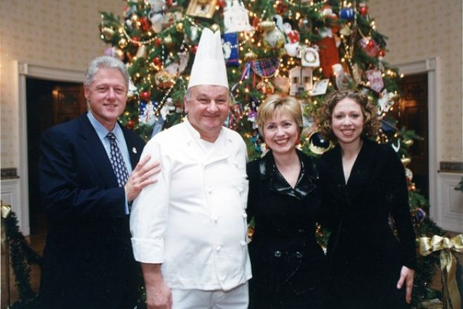 Roland-Mesnier-va-gia-dinh-Bill-Clinton.jpg