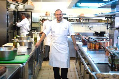 chef-de-cuisine-palais-elysee-guillaume-gomez-31-octobre-2013_afp_marrtin_bureau.jpg