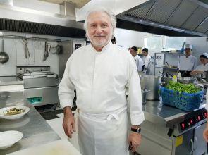 Câu nói của mẹ thay đổi cuộc đời đầu bếp hai sao Michelin nổi tiếng Alain Dutournier