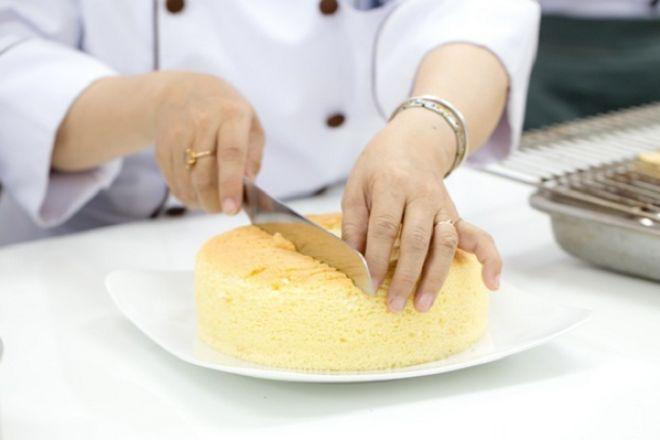 ky-thuat-lam-cot-banh-kem-bo-butter-cream.jpg