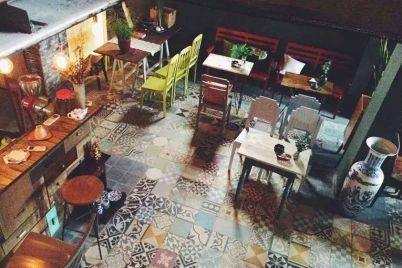 quan-cafe-dep-o-sai-gon-little-chair-khong-gian.jpg